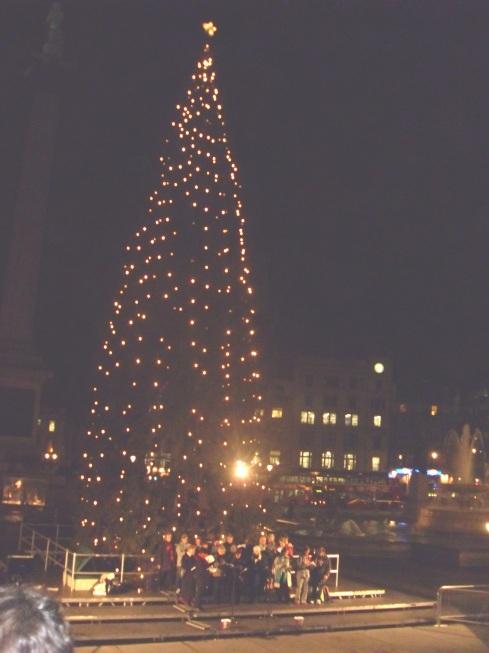 carollers - trafalgar square