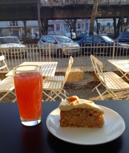 vegan carrot cake rootz berlin