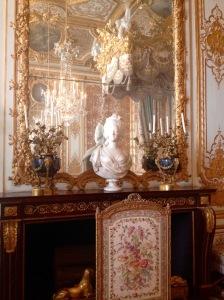 Queens Bedchamber, Statue of Marie Antoinette.