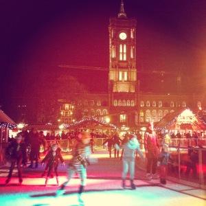 Ice skating at the Rathaus.